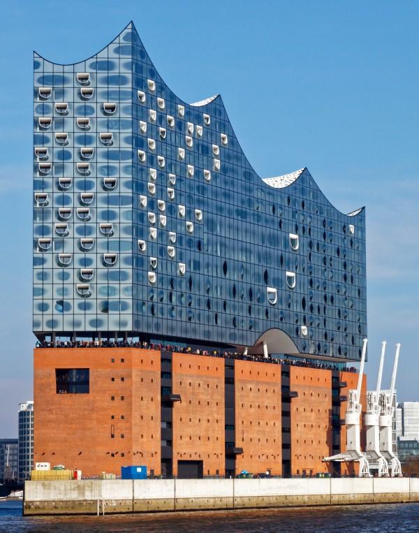 Bild Stadtführung Hamburg Hafencity Elbphilharmonie Wasserseite